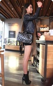 细高跟超短裙极品美女
