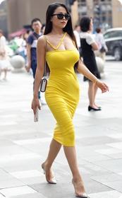 极品紧身裙少妇