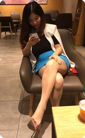 爱穿丝袜的女同学